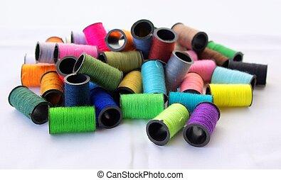 un po', fili, per, cucito, di, vario, colori