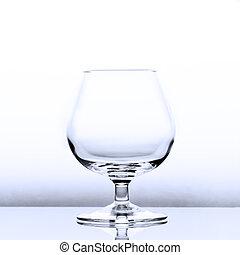 un, vacío, coñac, trago, en, levemente, luz azul, con, un, reflexión