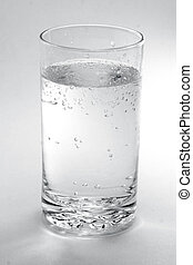 un, vidrio agua