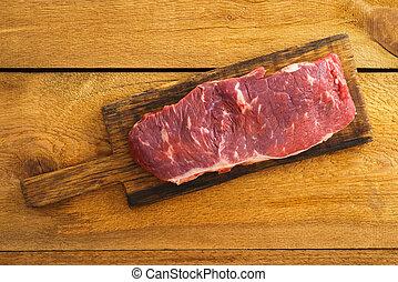 Uncooked rump steak