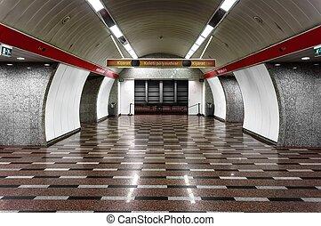 Underground vault for refuge