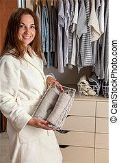 underpants., recipiente, meias, segurando, manto, housewe, branca, mulher, roupa interior, jovem, terry, roupas, storage., ifcaucasian