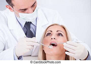 undersöka, klinik, tålmodig, tandläkare, kvinnlig