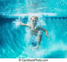 undervattens, pojke, ung, dykning, slå samman, simning