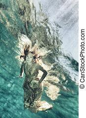 Underwater fairy tate
