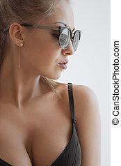 undies, jovem, dela, longo, cabelo preto, demonstrar, mulher, excitado