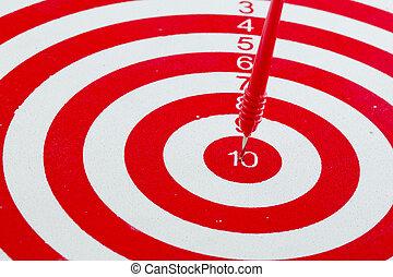 une, dards, dans, centre, de, cible, isolé, blanc