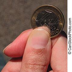 une, please..., euro