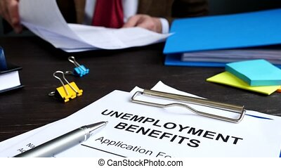 Unemployment benefits application form and manager in the ...