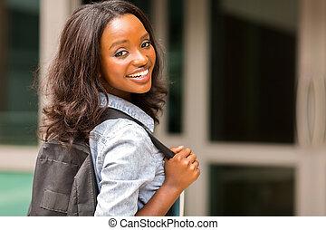 ung, afrikansk, högskola, flicka, bärande, ryggsäck