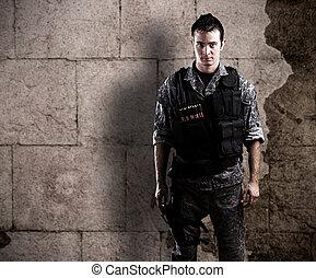 ung, beväpnat, soldat