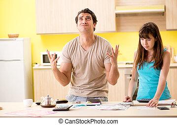 ung familie, kæmp, hos, personlig finans