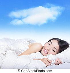 ung flicka, sova, på, a, kudde, med, vita sky