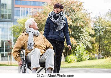 ung kvinde, hjælper, disabled, slægtning
