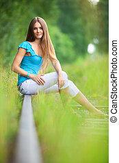 ung kvinde, udendørs