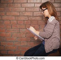 ung kvinna, författare, arbete