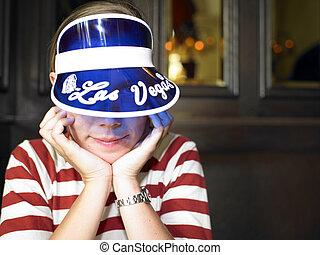 ung kvinna, med, blå, hjälmgaller, le