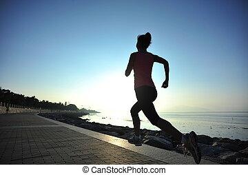 ung kvinna, springa, soluppgång, kust