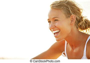 ung kvinna, stranden