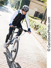 ung man, cykling