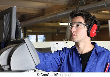 ung man, fungerande, maskin, in, fabrik