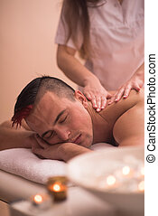 ung man, ha, a, massera tillbaka