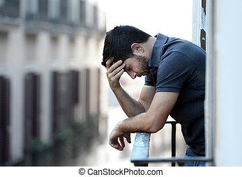 ung man, hos, balkong, in, fördjupning, lidande, emotionell,...