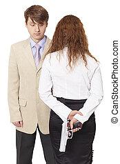 ung man, och, den, kvinna, beväpnat, med, a, pistol