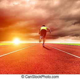 ung man, spring, på, den, spåra, med, soluppgång, bakgrund
