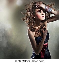 ung, stående, vacker kvinna