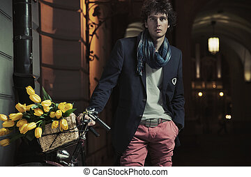 ung, stilig, grabb, bredvid, cykel