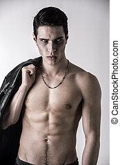 ung, vampyr, man, med, svart leather klå upp, på, knuffa