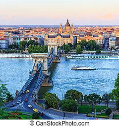 ungarn, budapest, hängebrücke fotos