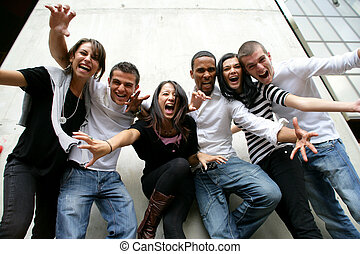 ungdom gruppera, framställa för fotografi