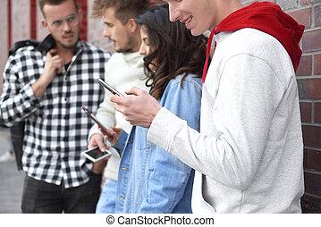 ungdomar, användande, ringa, smart, grupp