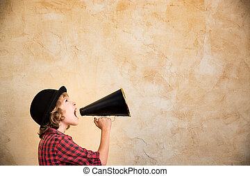unge, skrikande, genom, megafon