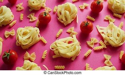 ungekocht, nudelgerichte, mit, frische tomaten