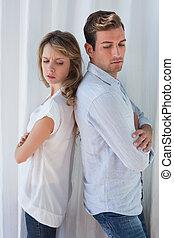 unglücklich, paar, not, sprechende , nach, ein, argument