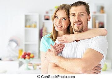 ungt par, beliggende, hjem hos