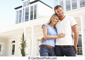 ungt par, beliggende, udenfor, drøm hjem