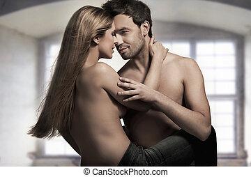 ungt par, in, blåbyxor, på, trevlig, inre