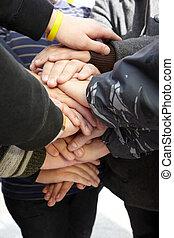 união, adolescentes, junto., mãos