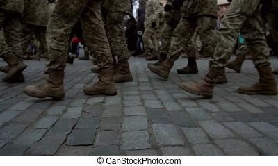uniforme, trottoir, rue, formation, fond, soldats marchant