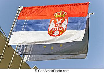 union, sur, ciel, drapeau ondulant, serbian, européen