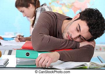 université, jeune, dormir, pendant, conférence, homme