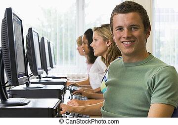 universiteitsstudenten, in, een, computer labo