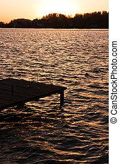 uno, banchina, su, il, riva, con, tramonto