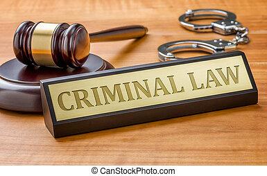 uno, martelletto, e, uno, targhetta, con, il, incisione, criminale, legge