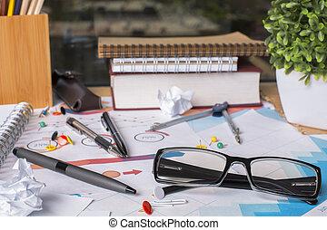 unordentliches büro, tisch, mit, geschäftsbericht