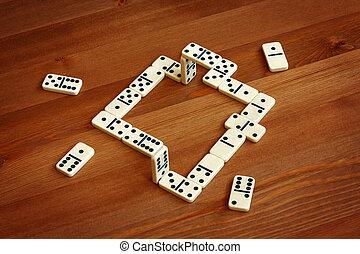 Unreal domino, illusion